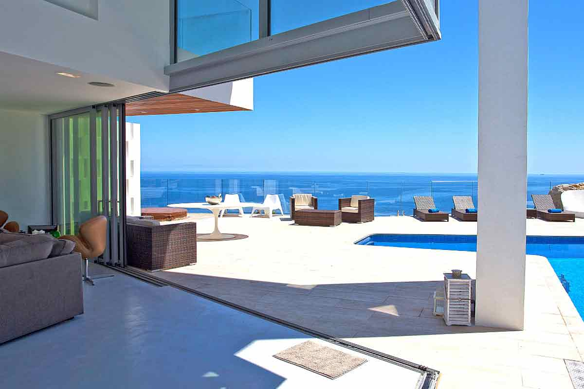 Villas with magnificent sea views Villas with pool in Ibiza